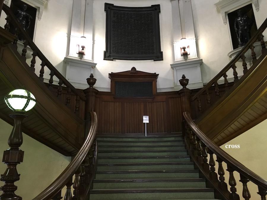 中之島図書館正面階段