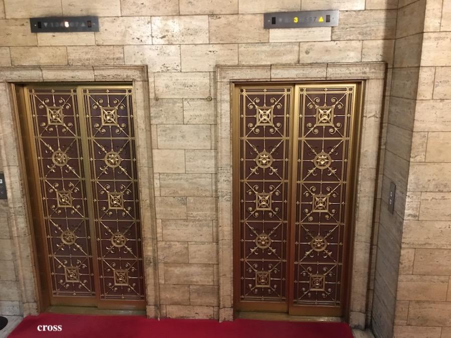 綿業会館のエレベーター