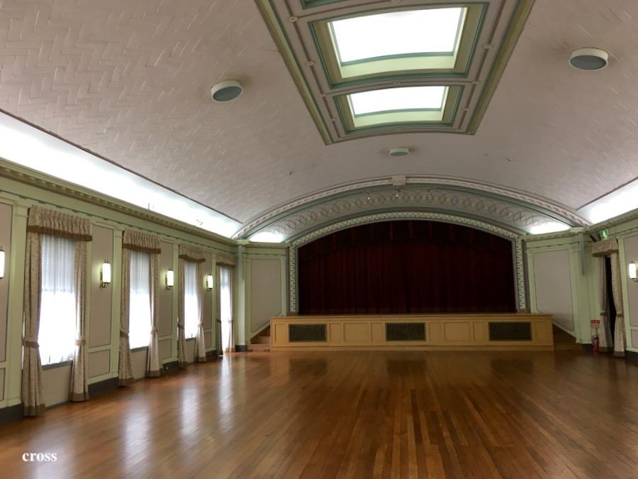 綿業会館大ホール