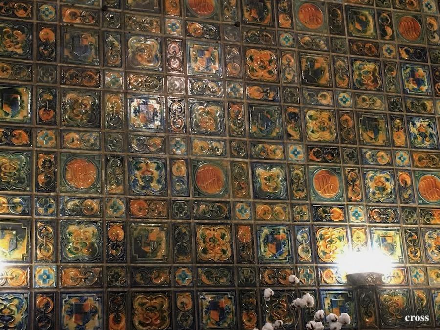 綿業会館のタイル